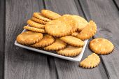 Cookies A Cracker Round