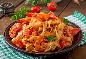 foto of shrimp  - Fettuccine pasta with shrimp - JPG