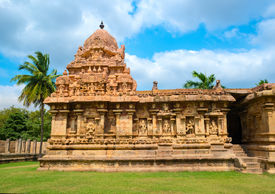 picture of chola  - Great architecture of Hindu Temple dedicated to Shiva ancient Gangaikonda Cholapuram Temple India Tamil Nadu Thanjavur  - JPG