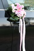 bouquet and auto wedding