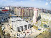 Construction of shopping center in Tyumen