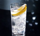 picture of collins  - Gin Tonic Tom Collins on the dance floor - JPG