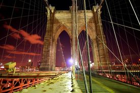 foto of brooklyn bridge  - Brooklyn Bridge showing off all its colors at night. ** Note: Slight blurriness, best at smaller sizes - JPG