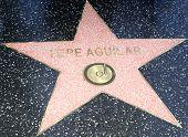 LOS ANGELES -JUL 26: Pepe Aguilar estrela em uma cerimônia honrando Pepe Aguilar com uma estrela no The Hollyw