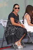 LOS ANGELES -JUL 26: esposa de Pepe Aguilar Aneliz numa cerimónia honrando Pepe Aguilar com uma estrela na T