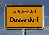 Ortsschild Landeshauptstadt Düsseldorf