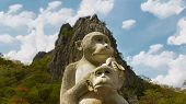 Monkey mother and child statue