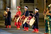 Modena, Itália - 9 de julho: Banda militar turca durante concerto Internacional de bandas militares em julho