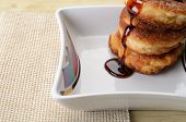 Fritters of cottage cheese with honey
