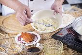 foto of noodles  - Chef cooking Noodle with seasoning sauce  - JPG