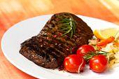 big new york strip steak , 14 oz , 436 gram,grilled