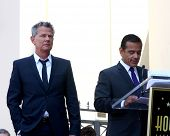 LOS ANGELES - MAY 31:  David Foster, Mayor Antonio Villaraigosa at the David Foster Hollywood Walk o