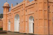 DHAKA, BANGLADESH - FEB 22: Mausoleum of Bibipari in Lalbagh fort on February 22, 2014 in Dhaka, Ban