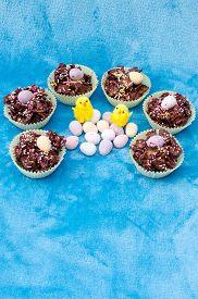 image of semi-circle  - Circle of tasty Easter treats - JPG