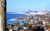 foto of sakhalin  - Delitoplan flies on town - JPG