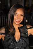 Regina Hall at the Los Angeles Premiere of 'Law Abiding Citizen'. Grauman's Chinese Theatre, Hollywo