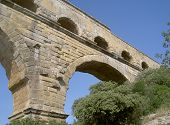 foto of aqueduct  - The Pont du Gard - JPG