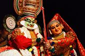 CHENNAI, Indien - SEPTEMBER 8: Indische Volkstanz Drama Kathakali Preformance am 8. September 2