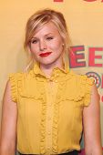 UNIVERSAL CITY - AUGUST 20: Kristen Bell at the 2006 Teen Choice Awards - Press Room at Gibson Amphi