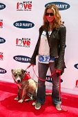 BEVERLY HILLS - APRIL 29: Jessica Biel at the Old Navy Nationwide Search for a New Canine Mascot at Franklin Canyon Park on April 29, 2006 in Beverly Hills, CA.