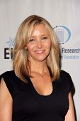 Lisa Kudrow at An Unforgettable Evening Presented by Saks Fifth Avenue, Beverly Wilshire Hotel, Beverly Hills, CA 05-02-13