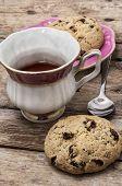 oatmeal cookies with raisins