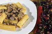 Pasta With Mince Chilli And Mushrooms