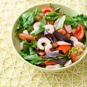 Green Salad With Tomatoes And Shrimps
