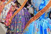 falleras traje fallas Vestido de detalle de la celebración del Festival de Valencia España