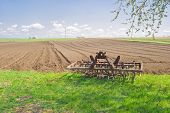 Time of relaxation for an agricultural equipment