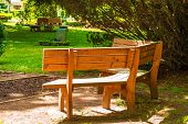 picture of banquette  - Back of wooden bench in the park - JPG