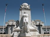 pic of amtrak  - christopher columbus statue in front of union station in washington d - JPG