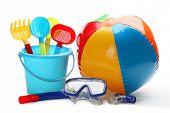Brinquedos de plástico e equipamento de mergulho.Isolado no fundo branco.