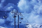 Photo chairlift on luxury ski resort in Faraya mountains, active lifestyle, winter sports, Christmas