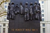 Monument To The Woman Of World War Two