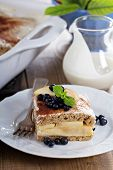 Appele wholewheat bread strata