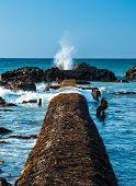 Splash Wave Hole
