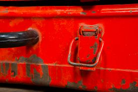 picture of stelles  - Orange Tool box with working stell instruments - JPG