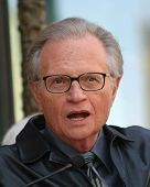 LOS ANGELES - APR 10: Larry King at a ceremony where Regis Philbin receives the 2222th star in Los A