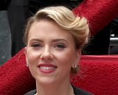 LOS ANGELES - MAY 2:  Scarlett Johansson at the Scarlett Johansson Star Walk of Fame Ceremony at Hol