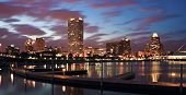Panorama da noite de Milwaukee