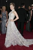 LOS ANGELES - 24 februari: Amanda Seyfried arriveert in de 85e Academy Awards, de Oscars presenteert op t
