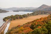 foto of bear tracks  - View of the Hudson River taken from the Bear Mountain Bridge - JPG