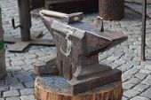 picture of anvil  - The photo shows blacksmith tools  - JPG