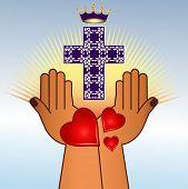 mãos religiosas com Cruz e coroa