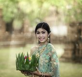 Loy Krathong Lady