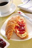 Jam Croissant