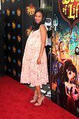LOS ANGELES - OCT 12:  Zoe Saldana at the