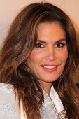 LOS ANGELES - OCT 23:  Cindy Crawford at the De Re Gallery & Casamigos Host The Opening Brian Bowen Smith's
