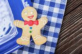 Smiling Gingerbread Men Nestled In Holiday